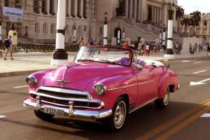 Havana Taxi czyli wakacje na Kubie z różowym kabrioletem.