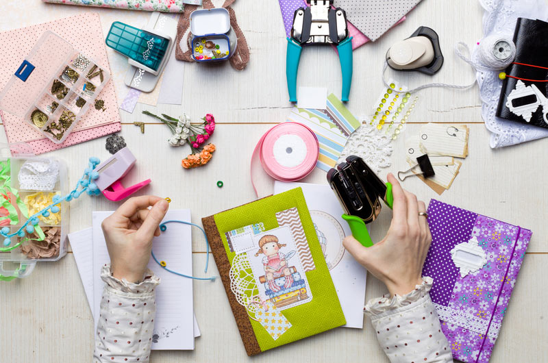 Kreatywna zabawa z dzieckiem – scrapbooking